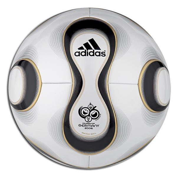 Teamgeist_World_Cup_Ball_06_Large.jpg.5b37e238a5bda656a14e005aa60a9061.jpg
