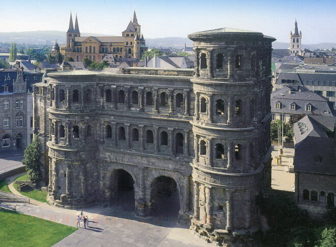 Trier_Porta_Nigra_(1).jpg.dc5350d18f72554b1f5081d7f5efd785.jpg