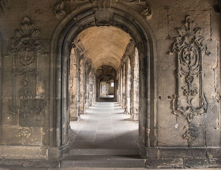 porta-nigra-trier-roman-arcade.jpg.d130a88234e9ec2df4e83268732e135a.jpg