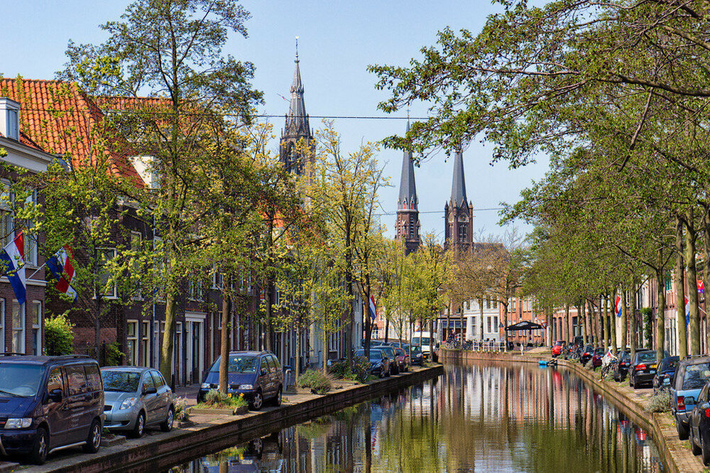 Delft.thumb.jpg.e90fbe6d88ed78fd76205f2ac9f6d289.jpg