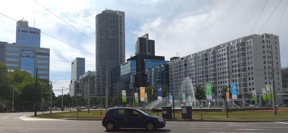 Rotterdam2.thumb.jpg.819a57387d699c999d2c71c36e30bac5.jpg